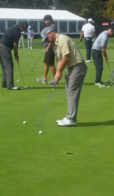 Brady Schnell Using The Flex Putter Trainer